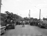 Picketers at Weyerhaeuser Mill A